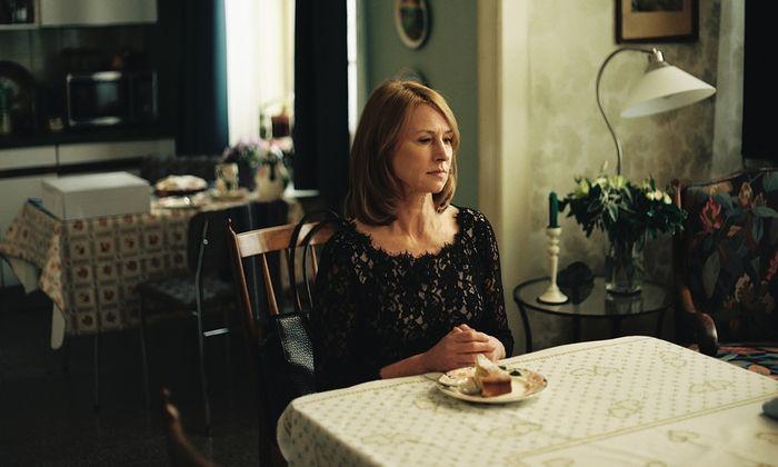 Corinna Harfouch spielt die Mutter eines Pianisten, die ihren eigenen Traum von der Musikkarriere früh aufgegeben hat.