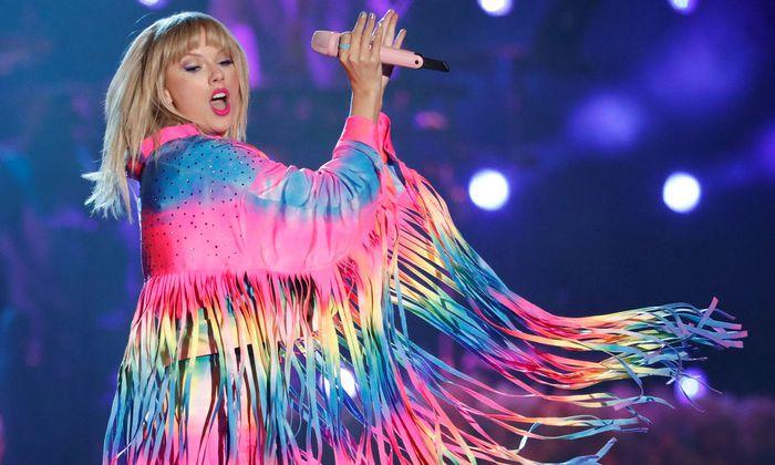 Sie wolle mit ihrem Lebenswerk nicht zu einem unfairen Experiment beitragen, sagte Taylor Swift 2014 – und zog ihre Musik von Spotify ab. Mittlerweile ist sie zum Streamingdienst zurückgekehrt und erreicht dort über 40 Millionen Nutzer pro Monat.