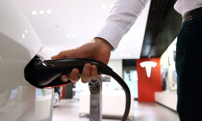 Alle Tesla-Modelle auf Stationen von Drittanbietern aufladbar