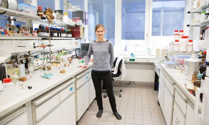 Im Labor werden Schimmelpilzgifte chemisch auf ähnliche Weise verändert, wie dies Pflanzen natürlicherweise zur Abwehr der Pilze machen.