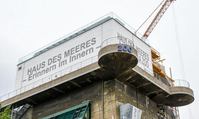 Neuer Schriftzug auf dem Flakturm: Künstler Lawrence Weiner fühlt sich übergangen.