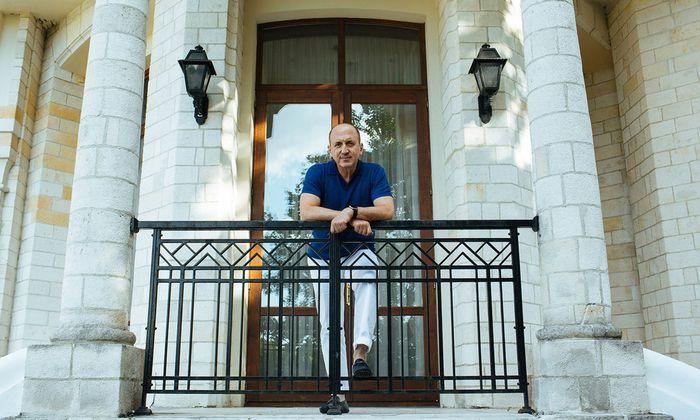 Die Datscha am Rande Moskaus dient als Sommerresidenz: Geschäftsmann und Buchautor Vitaly Malkin.