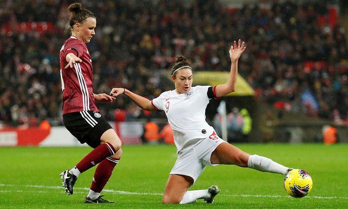 77 768 Zuschauer In Wembley Rekord Fur Frauen Spiel Knapp