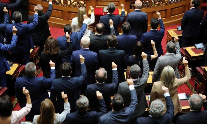 Schon in der letzten Legislaturperiode hat das griechische Parlament eine Reihe kostspieliger Maßnahmen beschlossen.