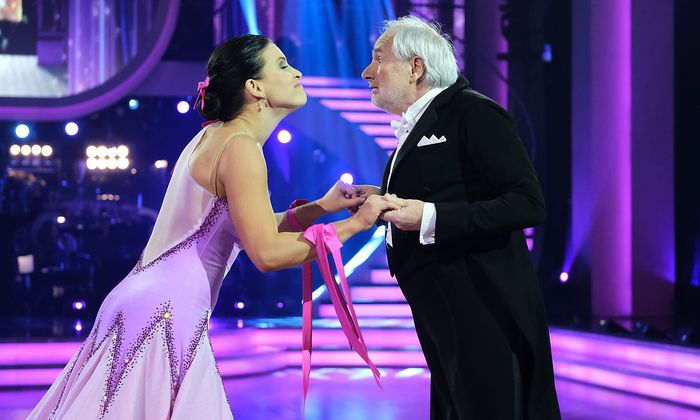 Tänzerin Conny Kreuter mit E-Volkstheaterdirektor Michael Schottenberg.