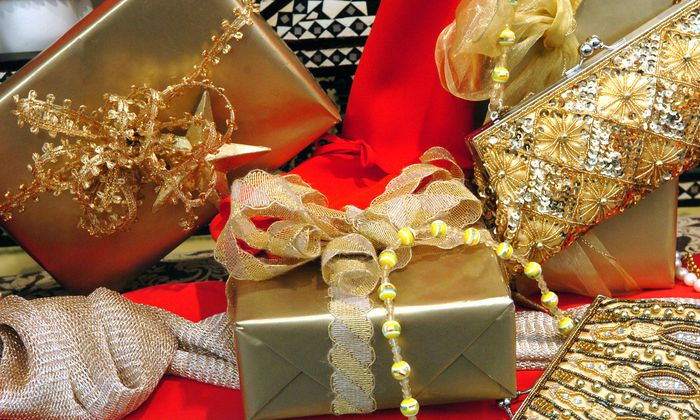 Wie wird man unerwünschte Geschenke wieder los?