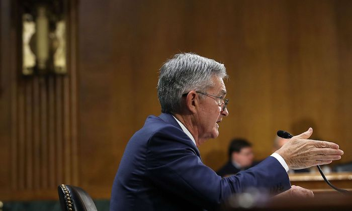 Powell zeigt die Richtung an.