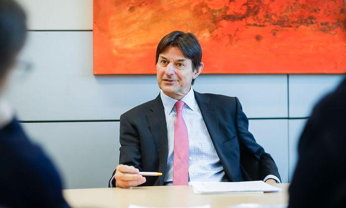RBI-Chefökonom Peter Brezinschek by Akos Burg
