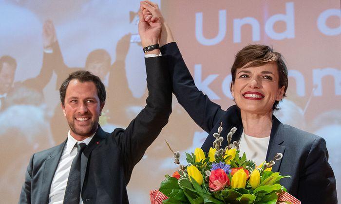 Geschlossenheit: Pamela Rendi-Wagner und der designierte Tiroler SPÖ-Chef Dornauer bemühen sich, die Wogen zu glätten.
