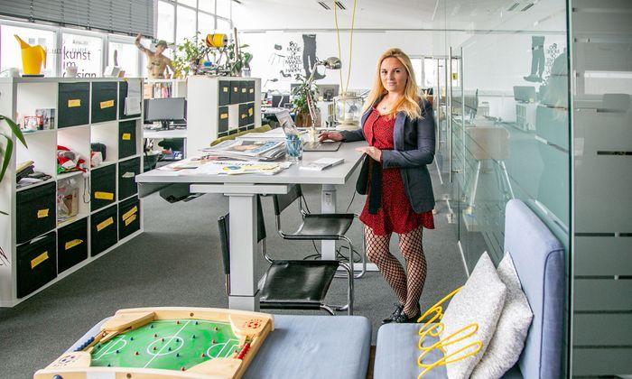 Sie wollte selbstständig, aber nicht allein sein: Seither führt Romy Sigl in Salzburg ihren eigenen Coworking Space.