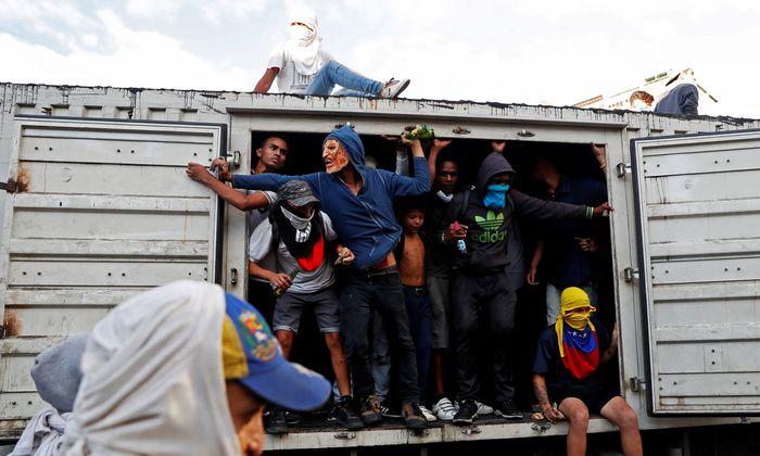 Der Machtkampf in Venezuela hält an - am Bild: Demonstration gegen Nicolas Maduro