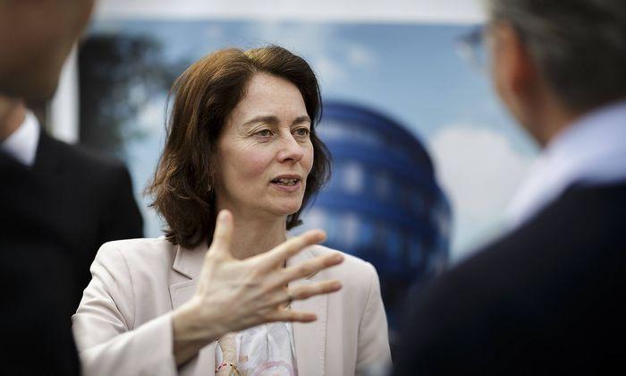 Bundesjustizministerin Katarina Barley SPD besucht die Baustelle der Pears Jueischer Campus zusamm