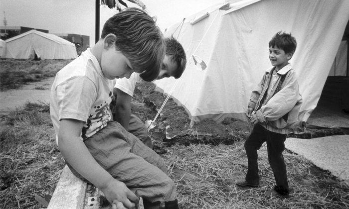 Zeltlager in Wien für Jugoslawien- Flüchtlinge 1992: Schon damals wurde über das Asylrecht diskutiert.