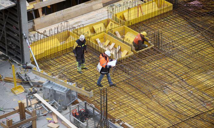 Die Sonderstellung der Bauarbeiter schafft auch bei der Abgrenzung zu benachbarten Gewerken Probleme.