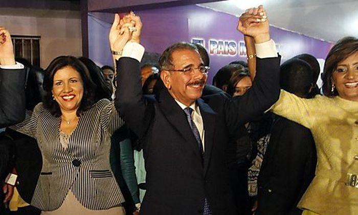 Danilo Medina (in der Mitte)