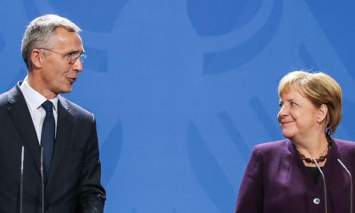 NATO-Generalsekretär Jens Stoltenberg und Angela Merkel.