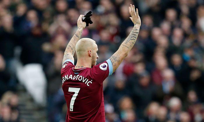 Wie Arnautovićs' Bruder und Manager Danijel in den letzten Tagen betont hat, möchte der Stürmer das finanziell enorm attraktive Abenteuer wagen, offiziell auch um wieder um Titel spielen zu können.