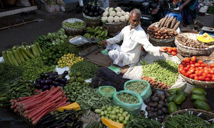 In Entwicklungsländern geben die Menschen zumindest 50 Prozent ihres Einkommens für Nahrungsmittel aus.