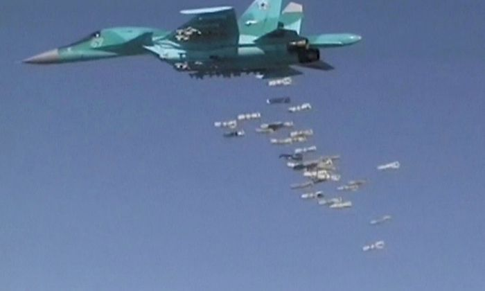 Russische Kampfjets bei einem Luftangriff in Syrien.ikes carried out by Russian air force in Syria