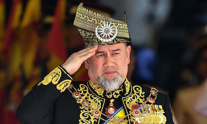 Muhammad V. hatte sein Amt seit November offiziell wegen einer medizinischen Behandlung ruhen lassen.