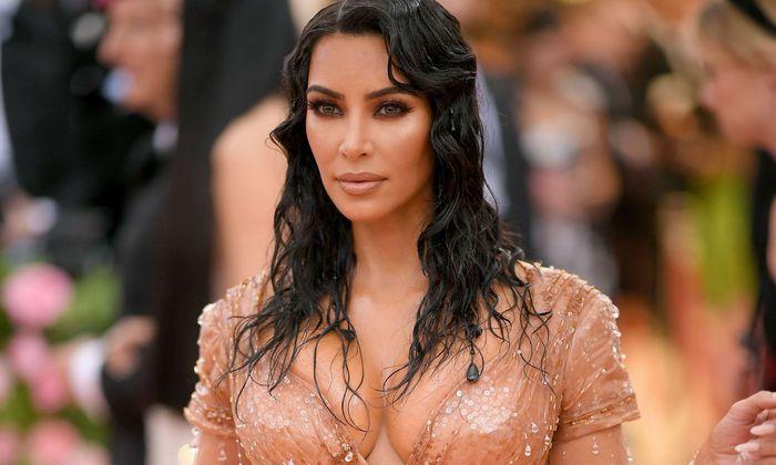Kardashian und West hatten vor mehr als einem Jahr mit Hilfe einer Leihmutter bereits ihre Tochter Chicago bekommen.