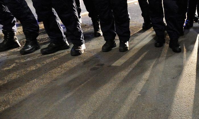 """Die Ungarische"""" Garde ist verboten. Doch ihre Mitglieder marschieren weiter (Symbolbild)."""