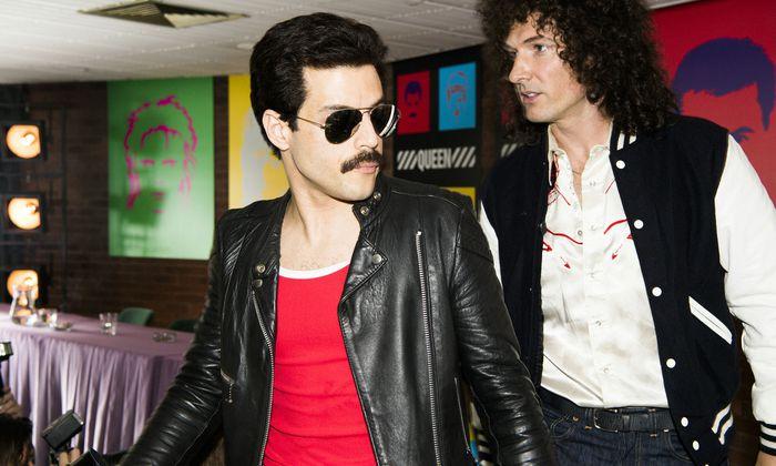 Mit geradezu manischer Hingabe: als Freddie Mercury, hier mit Gwilym Lee als Gitarrist Brian May.