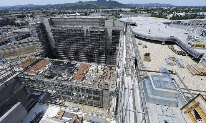 Beim Bau des Spitals Nord wurde nach zahlreichen Problemen nun die Projektsteuerung ausgetauscht.