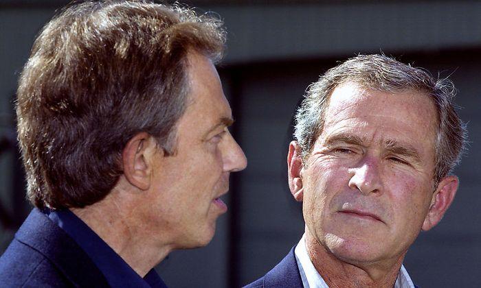 Tony Blair und George W. Bush: Was steckt hinter dem Kriegsbeginn?