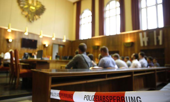 FORTSETZUNG DES PROZESSES GEGEN MITGLIEDER DER IDENTITAeTEN BEWEGUNG OeSTERREICH (IBOe) IN GRAZ