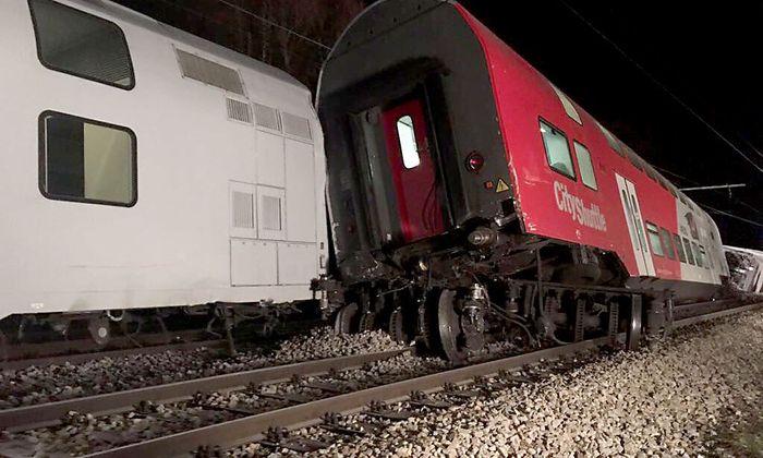 Bei Klosterneuburg kam es zu einem Zugsunglück.