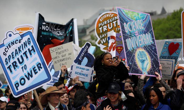 """Demonstrieren für die Wissenschaft? Alexander Bogner hält den """"March for Science"""" für """"Trotz-Positivismus""""."""