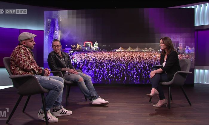 Beim Interview im Studio knisterte nur die Jacke.