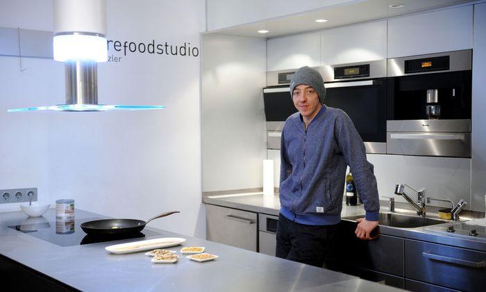 Christoph Thomann hält regelmäßig Kochkurse zum Thema Insekten und startet dieser Tage einen Onlineshop.