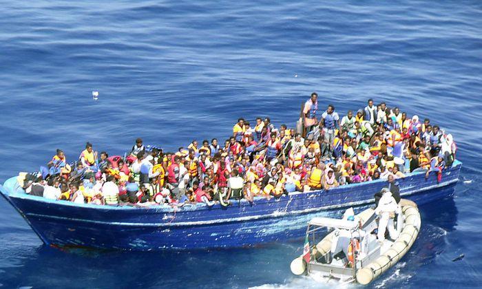 Der Flüchtlingsstrom auch über das Mittelmeer nach Italien reißt nicht ab.