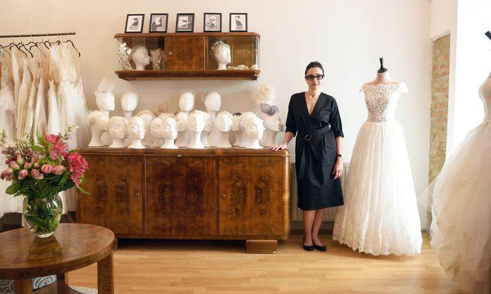2016 eröffnete Niely Hoetsch ihr Atelier im dritten Bezirk. Es ist auch Showroom für Kleider von Michel Mayer und Solaine Piccoli, mit der Niely Hoetsch auch Brautkleider designt.
