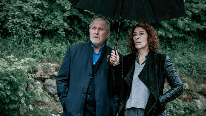 """Tatort""""-Kommissare Eisner (Harald Krassnitzer) und Fellner (Adele Neuhauser)."""