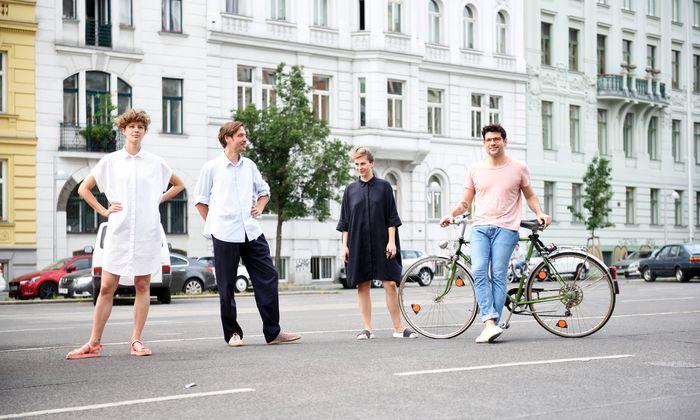 Vier Mitglieder des Team Wien am Parkplatz beim Naschmarkt: Daniela Mehlich, Mark Neuner, Anna Paul und Gregorio S. Lubroth (v. l.).