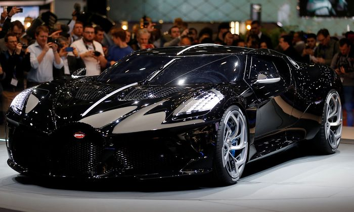 La voiture noire