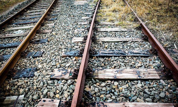 Arnstadt 040319 Schienen Bahnschienen eines stillgelegten Gleise *** Arnstadt 040319 Rails Rai