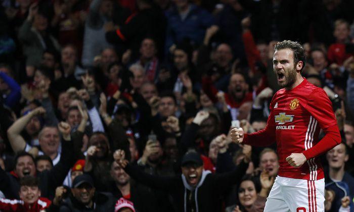 Juan Mata wird nicht nur im Old Trafford bejubelt, er ist darüber hinaus Fotokünstler und neuerdings auch Kapitän eines außergewöhnlichen Teams.