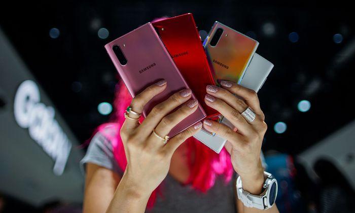 2500 Zulieferer spielen mit, damit Samsung ein Smartphone bauen kann.