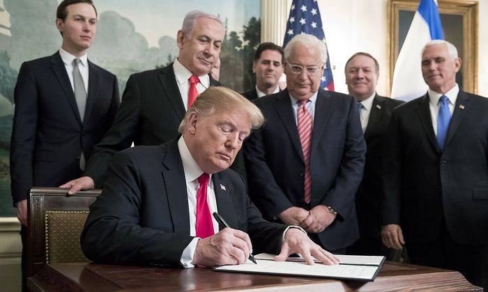 US-Präsident Trump besiegelt mit seiner Unterschrift ein Golan-Dekret