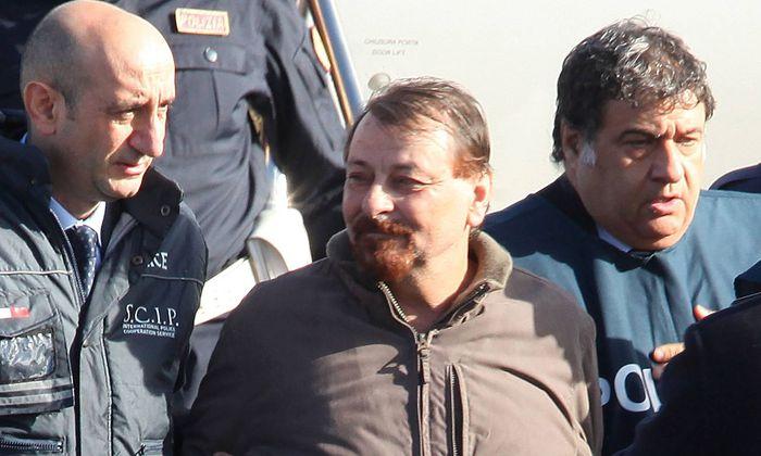 Zusammen mit anderen Terroristen wird Cesare Battisti auf Sardinien eingesperrt