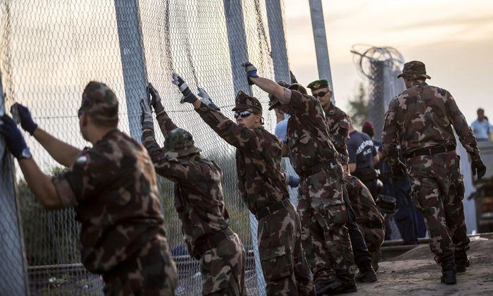 Grenzzaun zu Serbien
