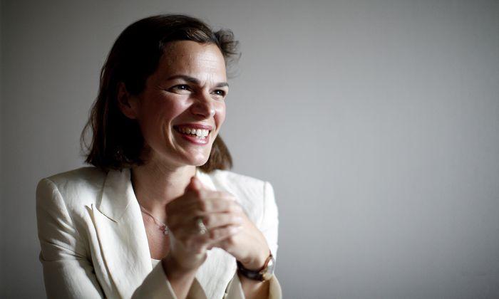 Ärztin, Forscherin, Sektionschefin – und jetzt Ministerin: Pamela Rendi-Wagner folgt Sabine Oberhauser nach.