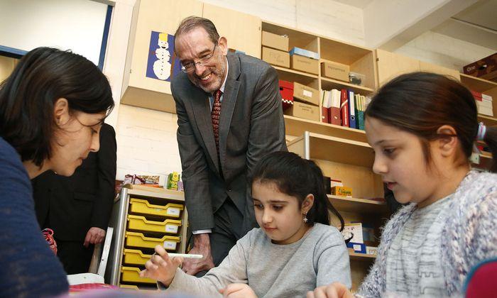 Bildungsminister Heinz Faßmann im Jänner bei einem Besuch in der Volksschule Murfeld in Graz.