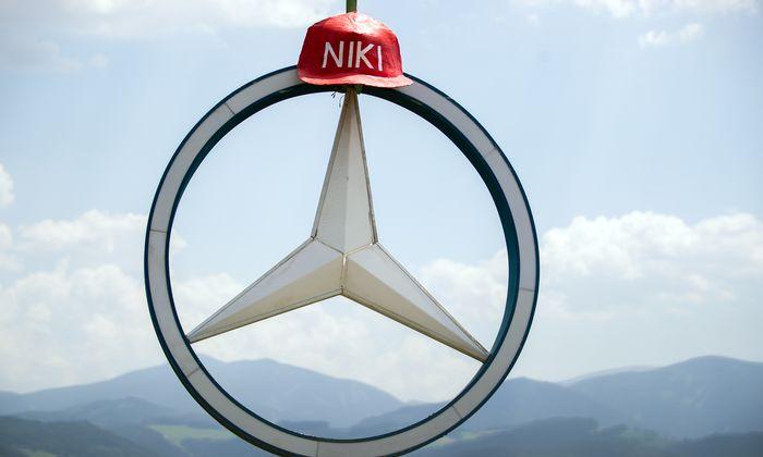 In Spielberg herrscht weiterhin enorme Formel-1-Euphorie, und Niki Laudas Stern thront über allem.