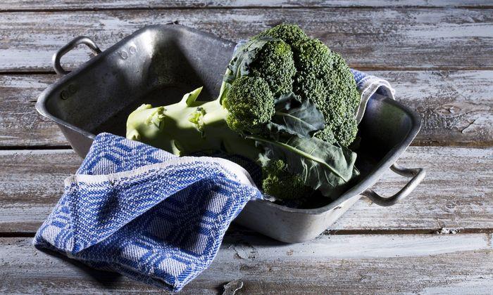 Brokkoli enthält den Wirkstoff Sulforaphan. Der soll in der Lage sein, einen gefährlichen Magenkeim auszurotten.