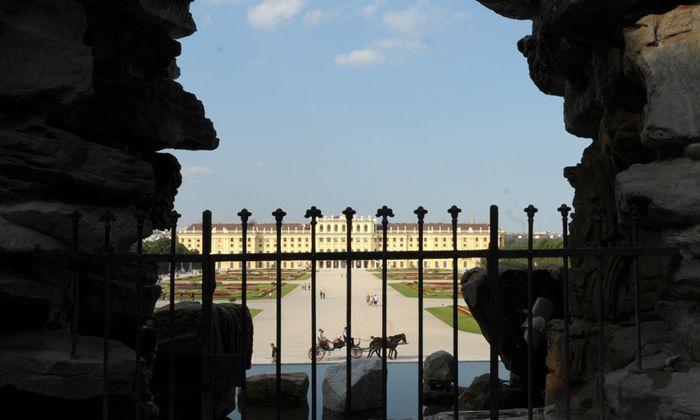 Rund um das Schloss Schönbrunn entfaltete sich der Nobelbezirk Hietzing.